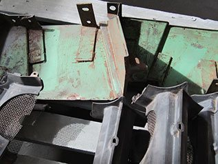 Stahlteile vor dem Sandstrahlen